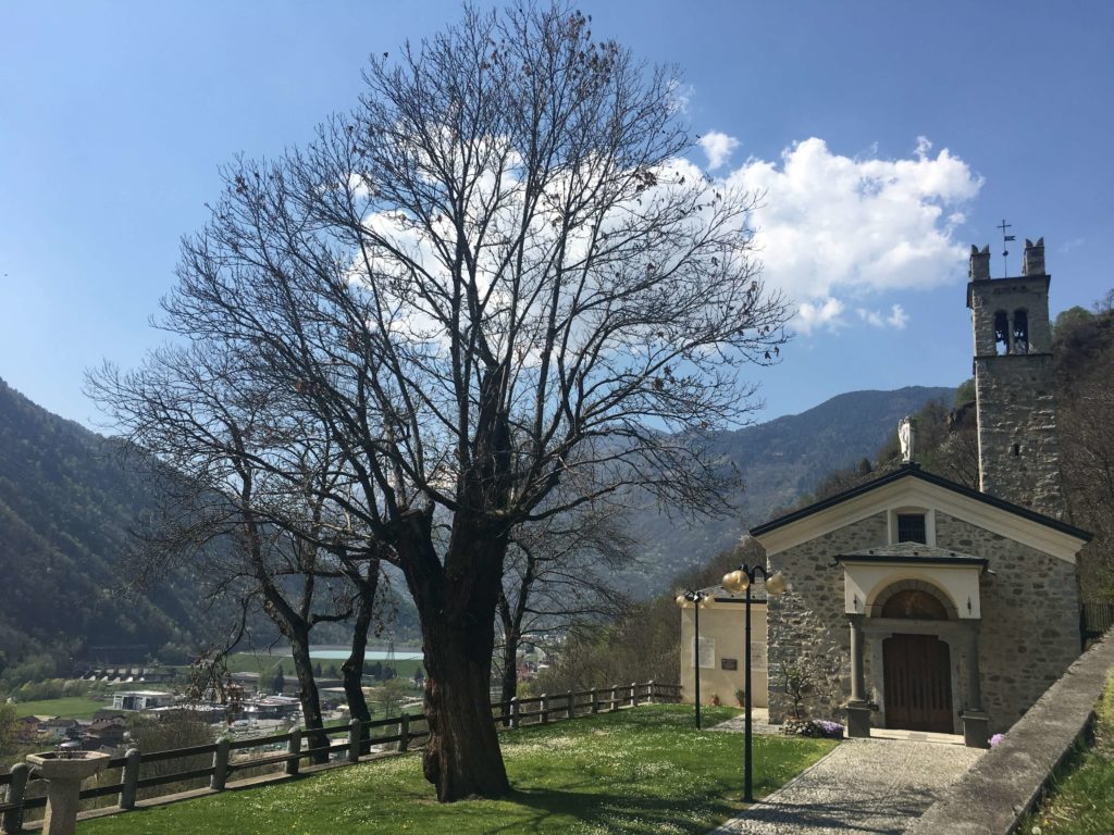 Il Santuario della Madonna della Pradella lungo il cammino camuno